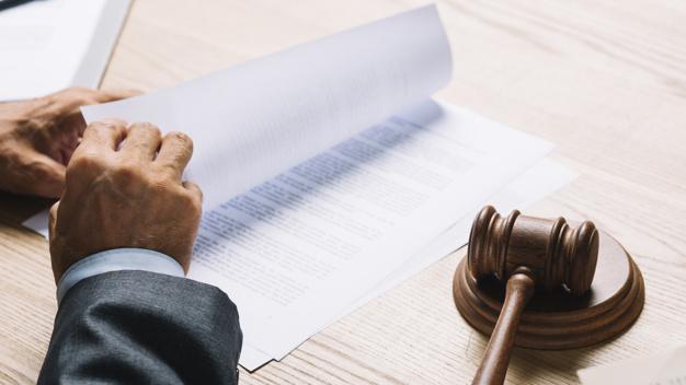 Les critères à vérifier avant de choisir un avocat
