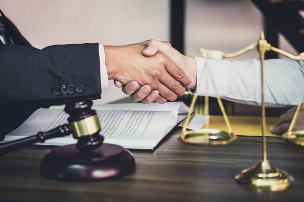 Les droits fondamentaux sur l'existence de la personne en matière juridique